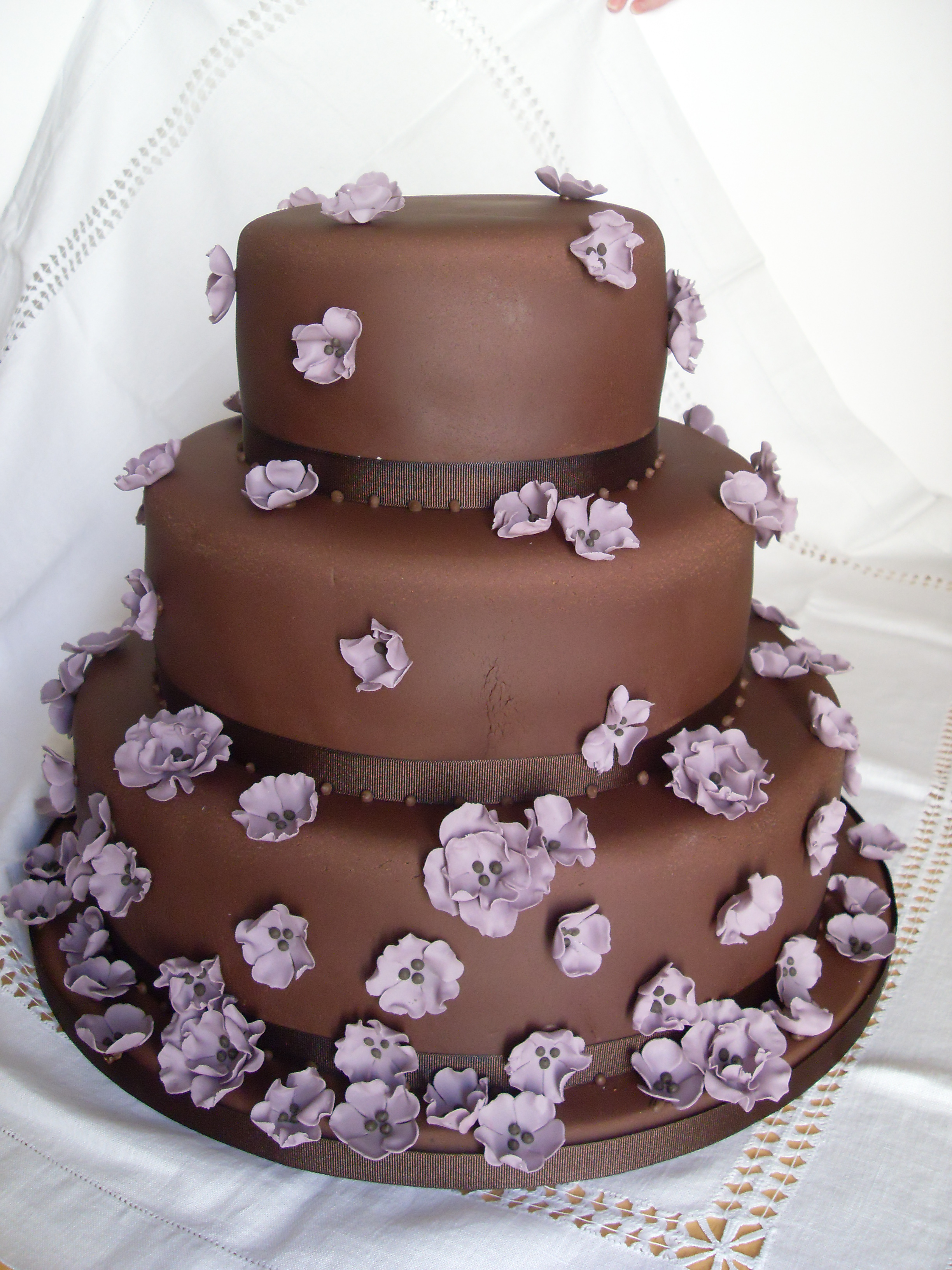 Chocolate wedding cake archives bee 39 s bakery for Bakery decoration
